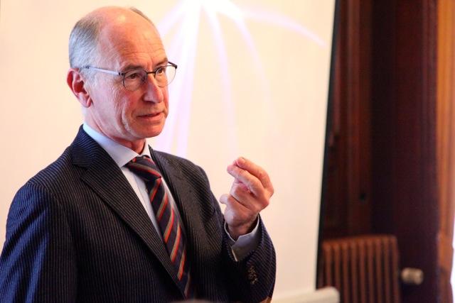 Dr Thierry Gillebert
